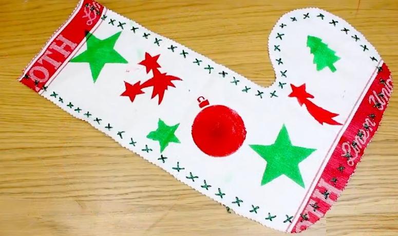 Adorno Navidad con Stencil Bota Navidad con un repasador