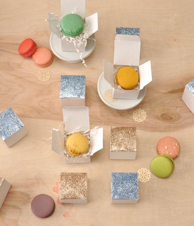 Como hacer cajas brillantes para regalo for Como hacer cajas para regalos de boda