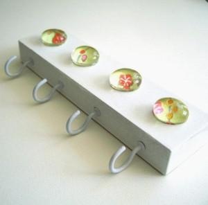 Porta llaves con gemas manualidades para vender - Como vender manualidades desde casa ...