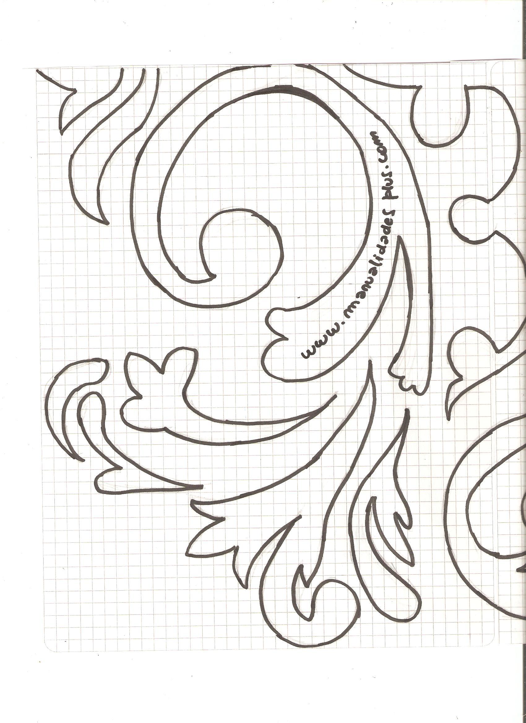 Cuadro con stencil arabesco casero video de manualidades for Como hacer cuadros con espejos