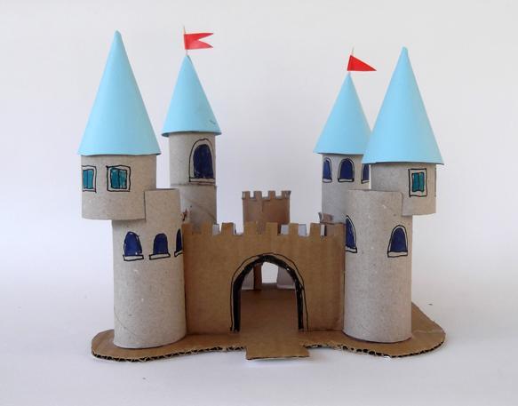 castillo con rollos de carton 7