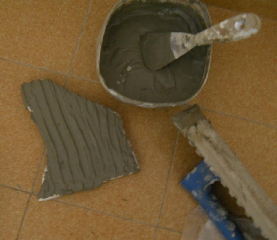 pegar-piedras-revestimiento-pared-http-www-manualidadesplus-com