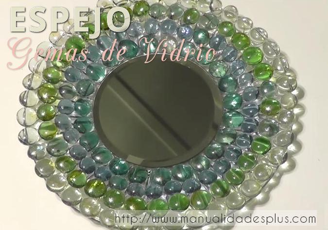 Manualidades con gemas vidrio espejo redondo for Hacer marco para espejo