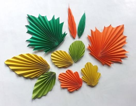 Hojas de papel semi origami - Manualidades de papel para decorar ...