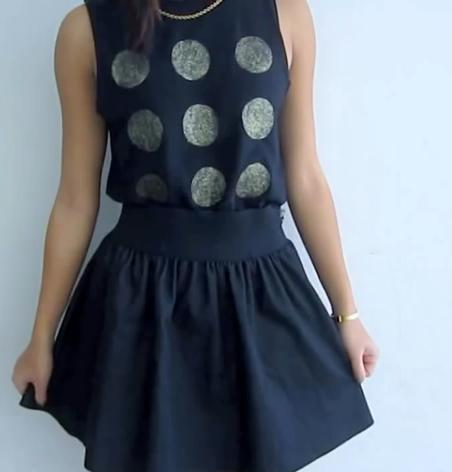 camiseta negra con glitters