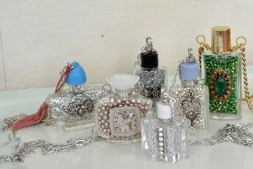collares frascos esmalte uñas